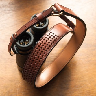 laniere cuir jumelles Leica