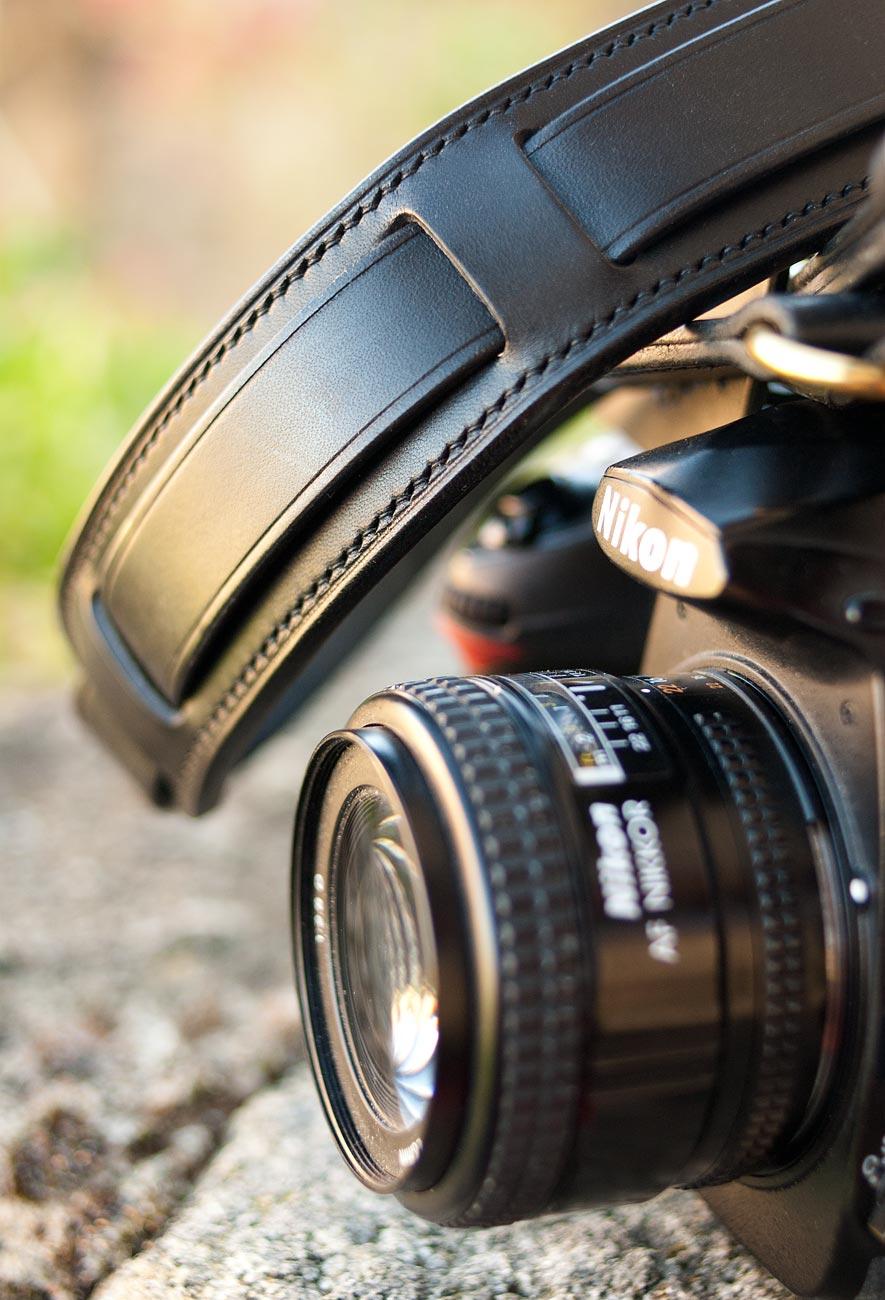 lanière appareil photo cuir noir nikon