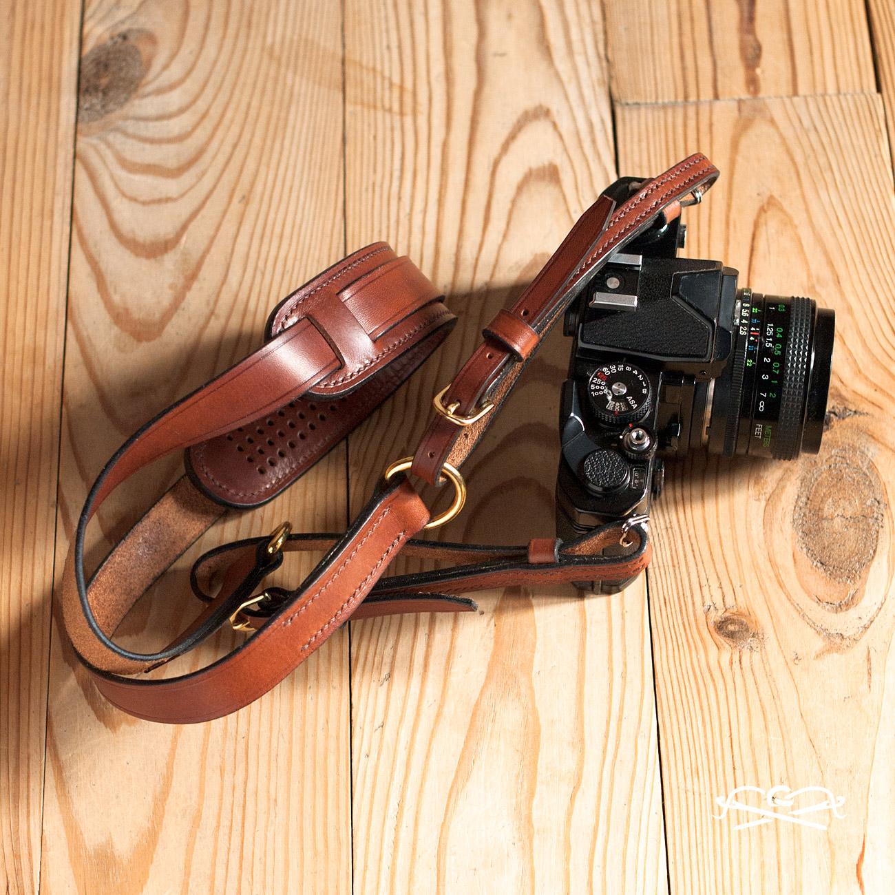 laniere appareil photo cuir